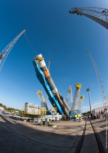 Soyuz raised onto pad