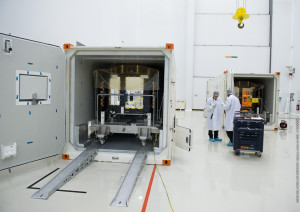 Galileo 9 & 10 arrival - Container openning